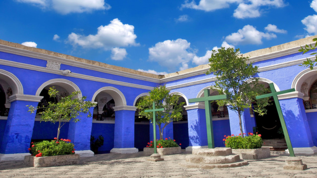 Highlight of Arequipa: Santa Catalina Monastery