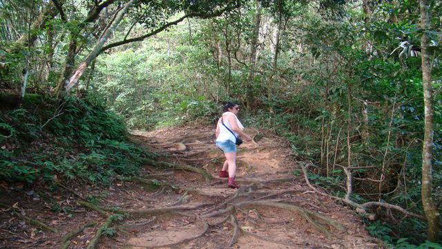 Montse hiking in Ilha Grande