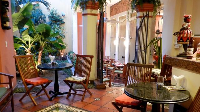 Garden Bar, Casa do Amarelindo