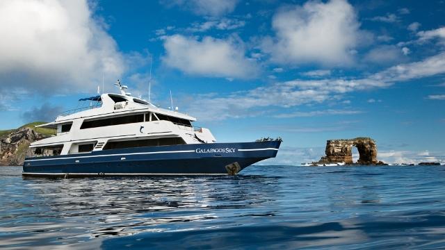 Galapagos Sky Dancer dive boat, Galapagos