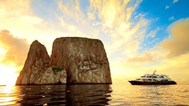 Galapagos boat