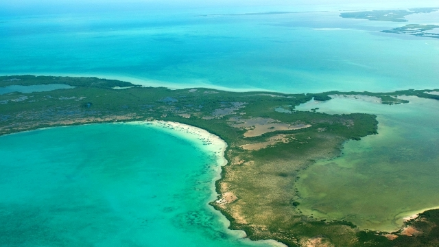 Flying into Ambergris Caye, Belize