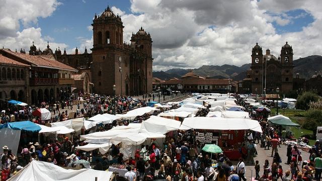 Santurantikuy market Cusco