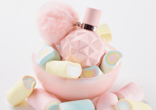 sweet-like-candy-ariana-grande-perfume-college