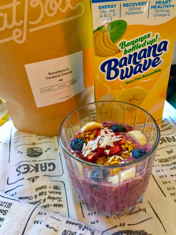 banana-wave-strawberry-turmeric-smoothie