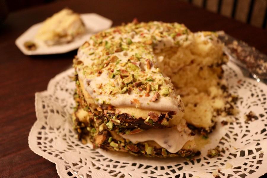 pistachio-cannoli-cream-cake