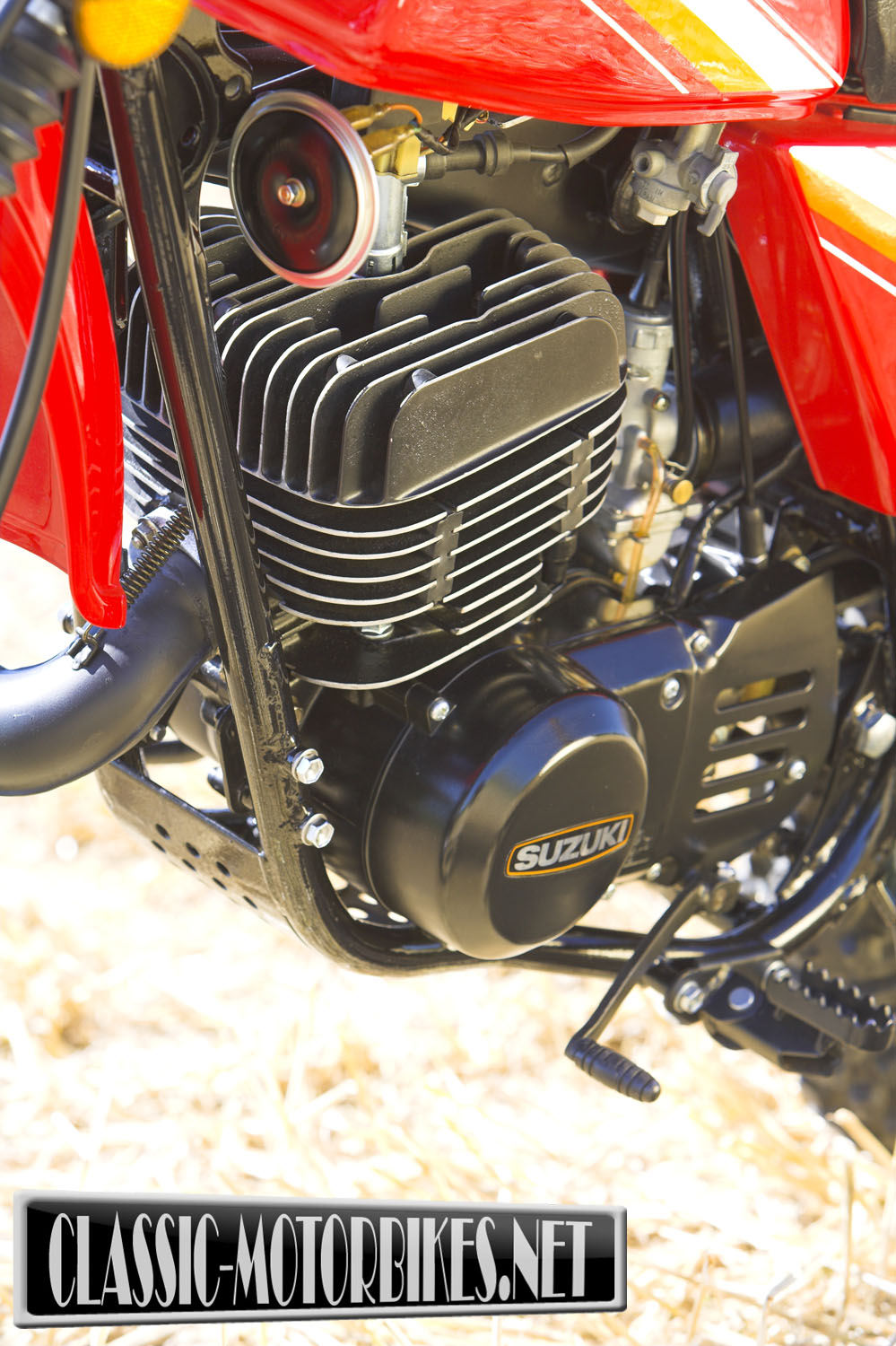 hight resolution of suzuki claimed the ts was heavily influenced and based upon the motocross machines of 1968 but