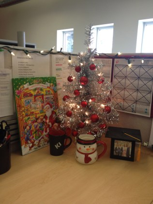 Christmas Cubicle!