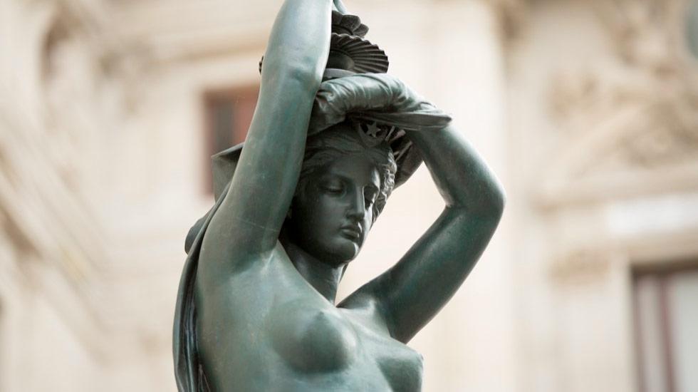 La ceinture de Lumière du Palais Garnier - Opéra National de Paris © Elisa Haberer