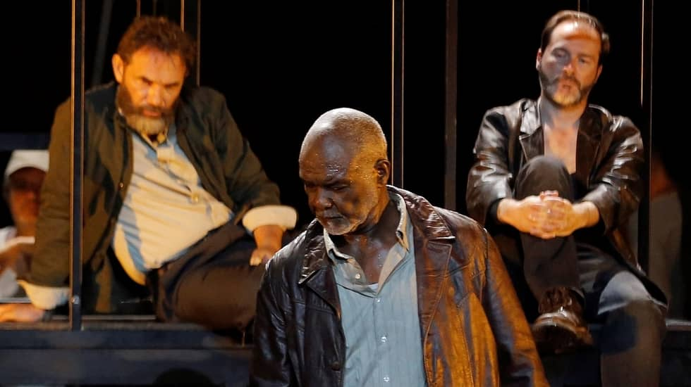 Willard White interprète Moses dans Mahagonny