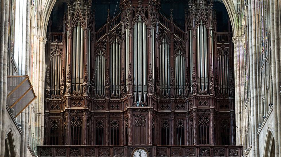 Le grand-orgue de la basilique Saint-Denis © Diliff — CC BY-SA 3.0, https://commons.wikimedia.org/w/index.php?curid=40699405