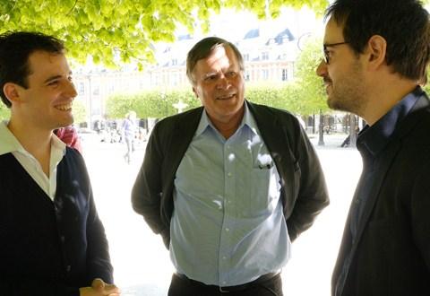 Philippe Hersant avec deux lauréats : Vincent Lhermet, accordéoniste et Tomas Bordalejo, compositeur