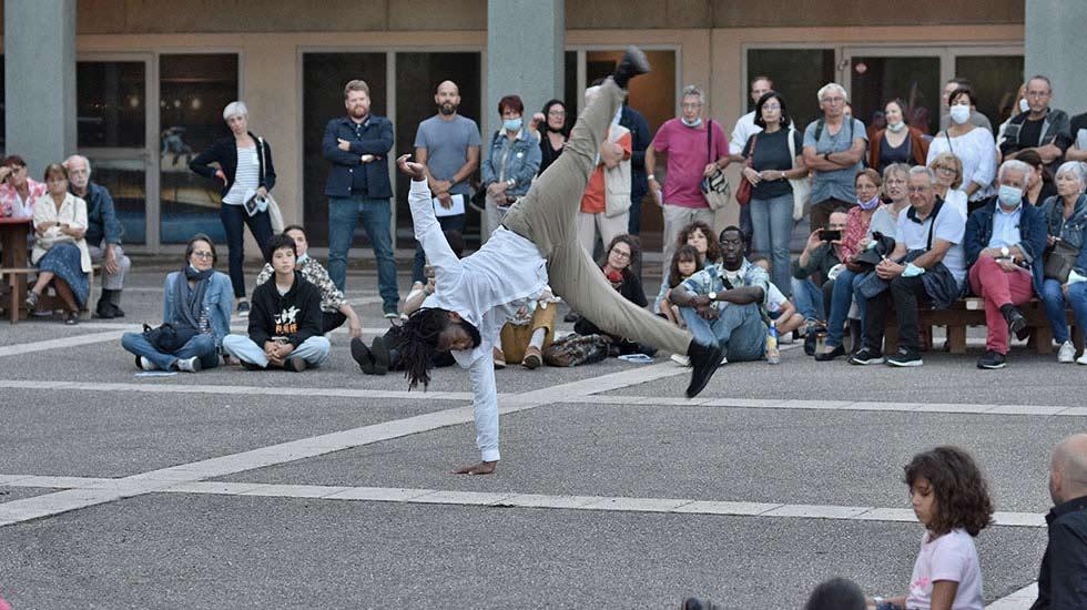 Le danseur hip-hop Jérôme Oussou