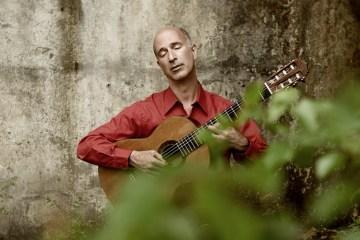 David Lesiner Classical Guitarist