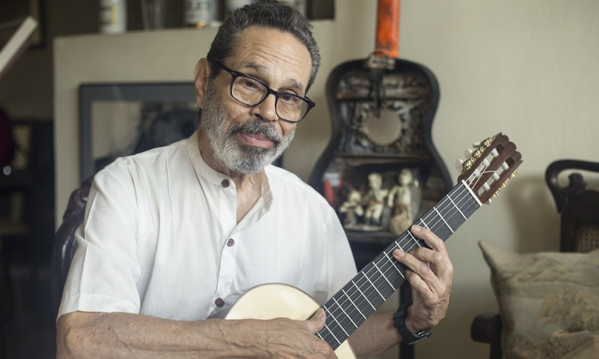 leo brouwer guitar DANAY NÁPOLES PHOTO : COURTESY OF THE ARTIST