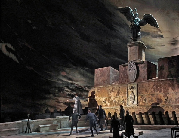 New Tosca Launch At Met Survives Sweeping Exodus