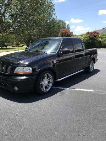 2002 Ford F-150 SuperCrew Harley-Davidson 2WD Specs and
