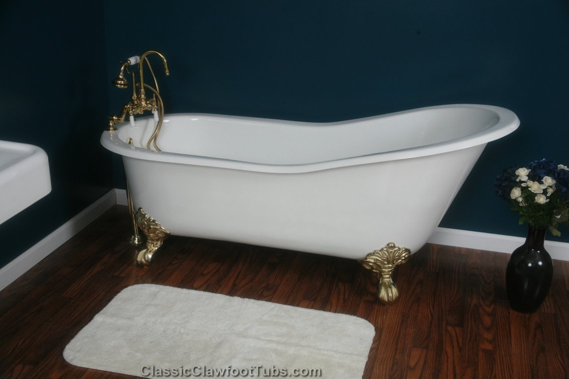"67"" Cast Iron Slipper Clawfoot Tub"