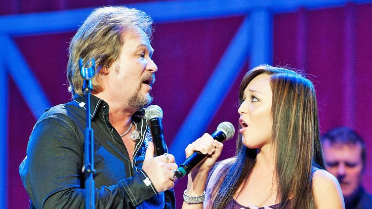 Travis Tritt  Daughter Tyler Wonderfully Sing Waylon