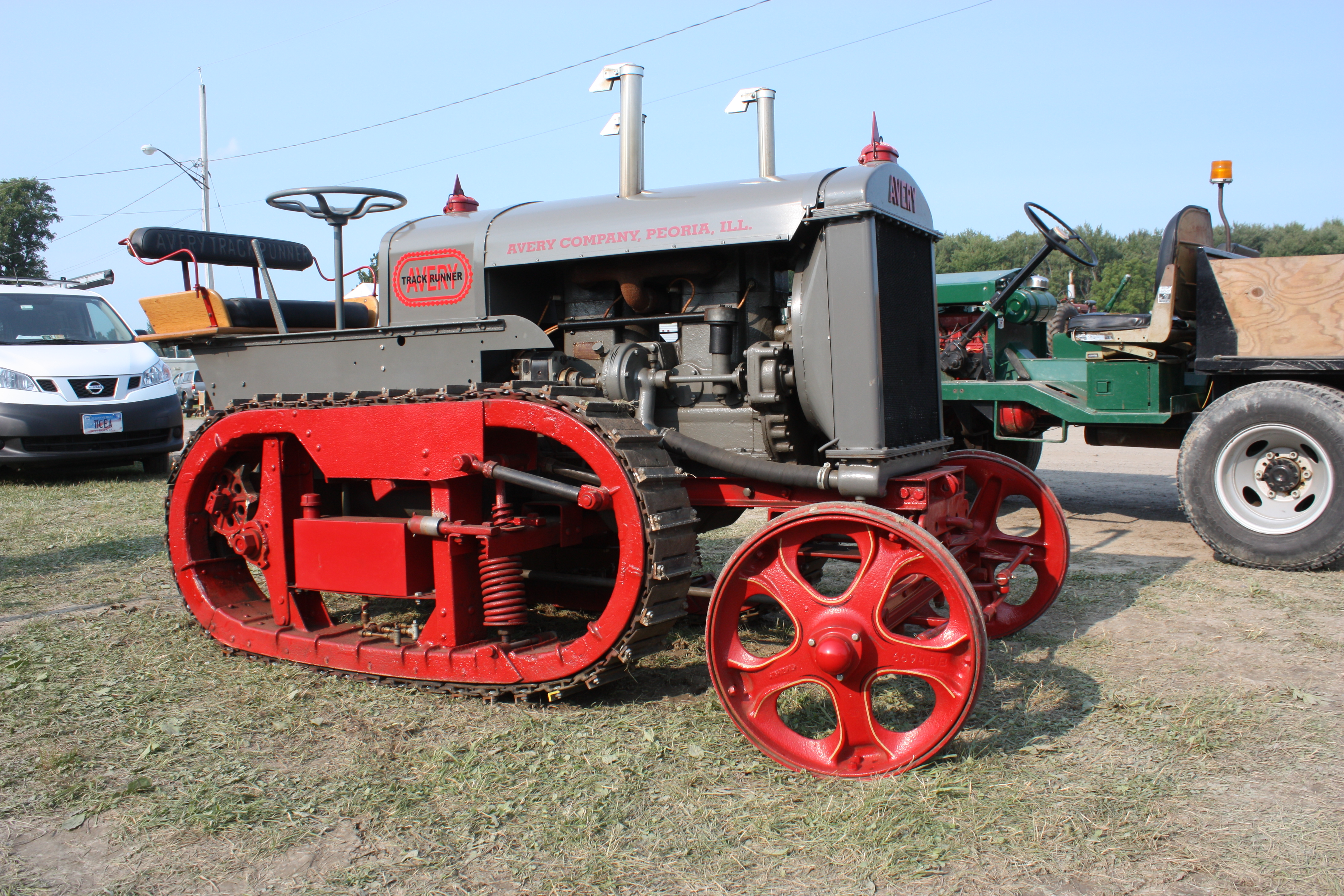 Avery Tractors Pictures