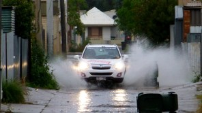 When it rains in Broken Hill, it really rains - that why there are huuuuge gutters. But, the flooded lanes are useful for washing mud from under the car.