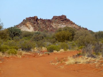 Roads get sandy as we head south and get nearer the Simpson Desert.