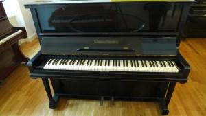 Grotrian Klavier mit Oval