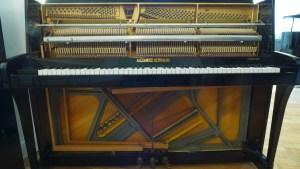 Klavier Alexander Herrmann offen