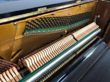 Klavier Sabel aus der Schweiz