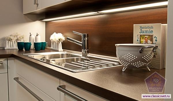 Подсветка рабочей зоны на кухне 02
