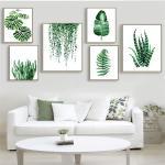 Украшение интерьера с освещением дома зеленым цветом и принтами листов бананового дерева