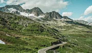 Classic Travelling Swiss Alps Tour - Furka Pass