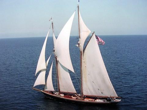 Highlander Sea under sail
