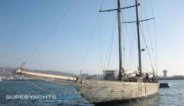 Joyette rigged as a schooner