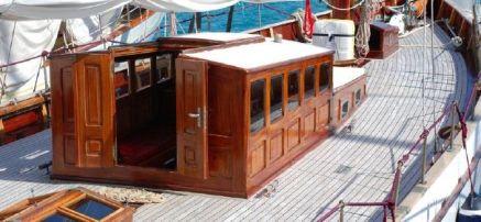 Konigin II deck
