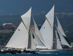 Moonbeam Of Fife and Moonbeam IV racing off Cannes, 2013