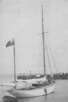 cooya_1920s__moored