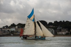 Spinaway X with topsail