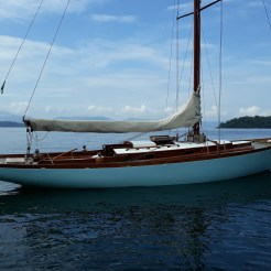 Cangrejo at anchor