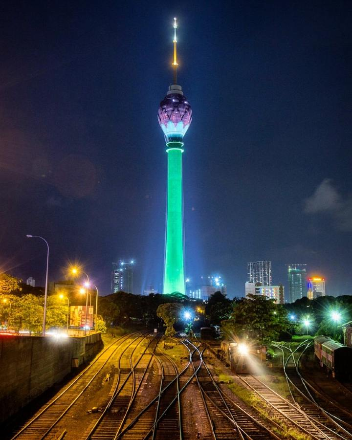 The Lotus Tower Sri lanka pic by Nazly Ahmed on Twitter