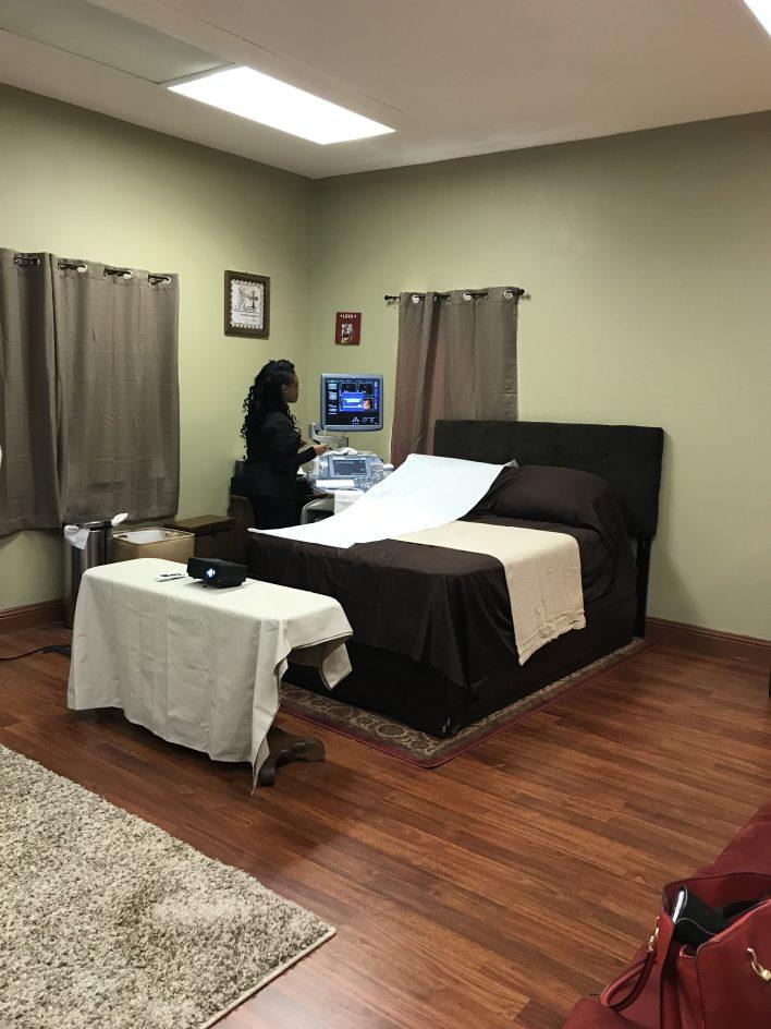 At First Glance Studio 3-D Ultrasound Classy Black Girl