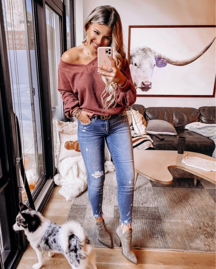 10 best outfits for Thanksgiving | Style blogger Emerson Hannon of Classycleanchic shares 10 best outfits for Thanksgiving