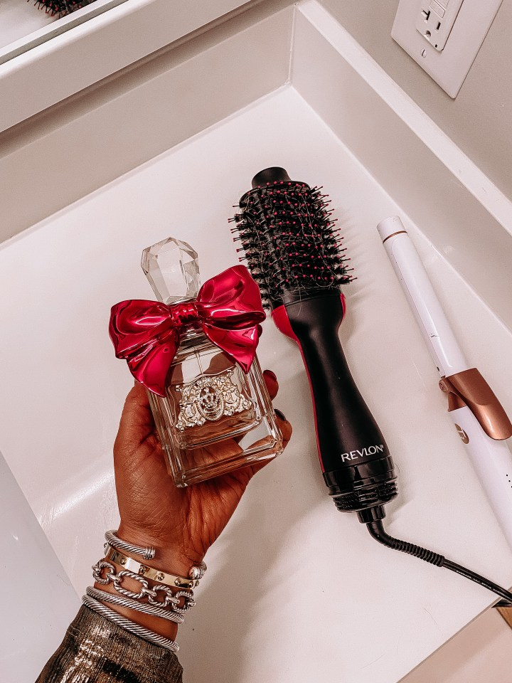 Best Walmart Beauty Gifts   Style blogger Emerson Hannon of Classycleanchic shares Best Walmart Beauty Gifts