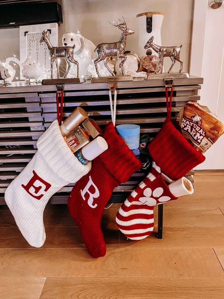 Best Stocking Stuffers for the Whole Family | Style blogger Emerson Hannon of Classycleanchic shares Best Stocking Stuffers for the Whole Family