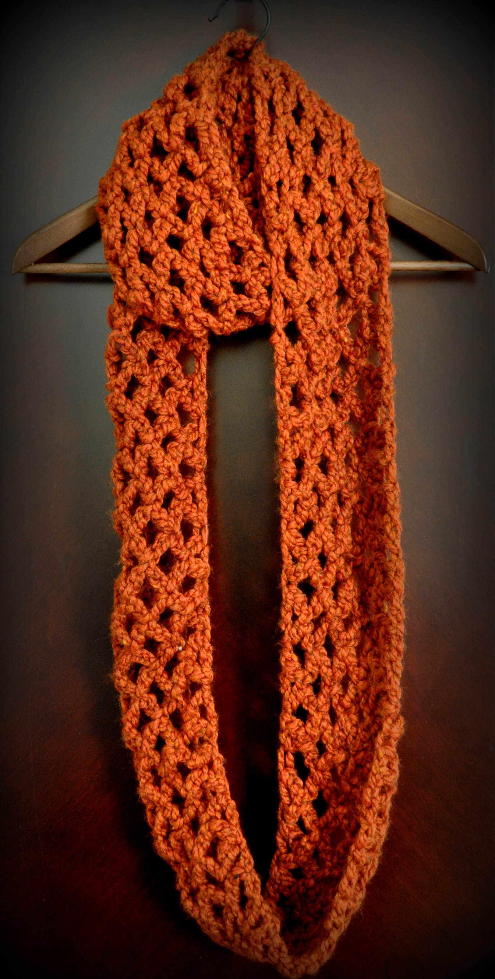 Free Pattern: Diamond Lattice Chain Crochet Infinity Scarf
