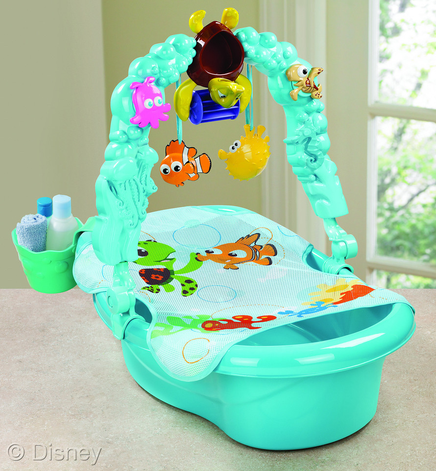 Nemo Bathroom Set Disney Baby Finding Nemo Bathtub And Robe Launch In Stores Plus A