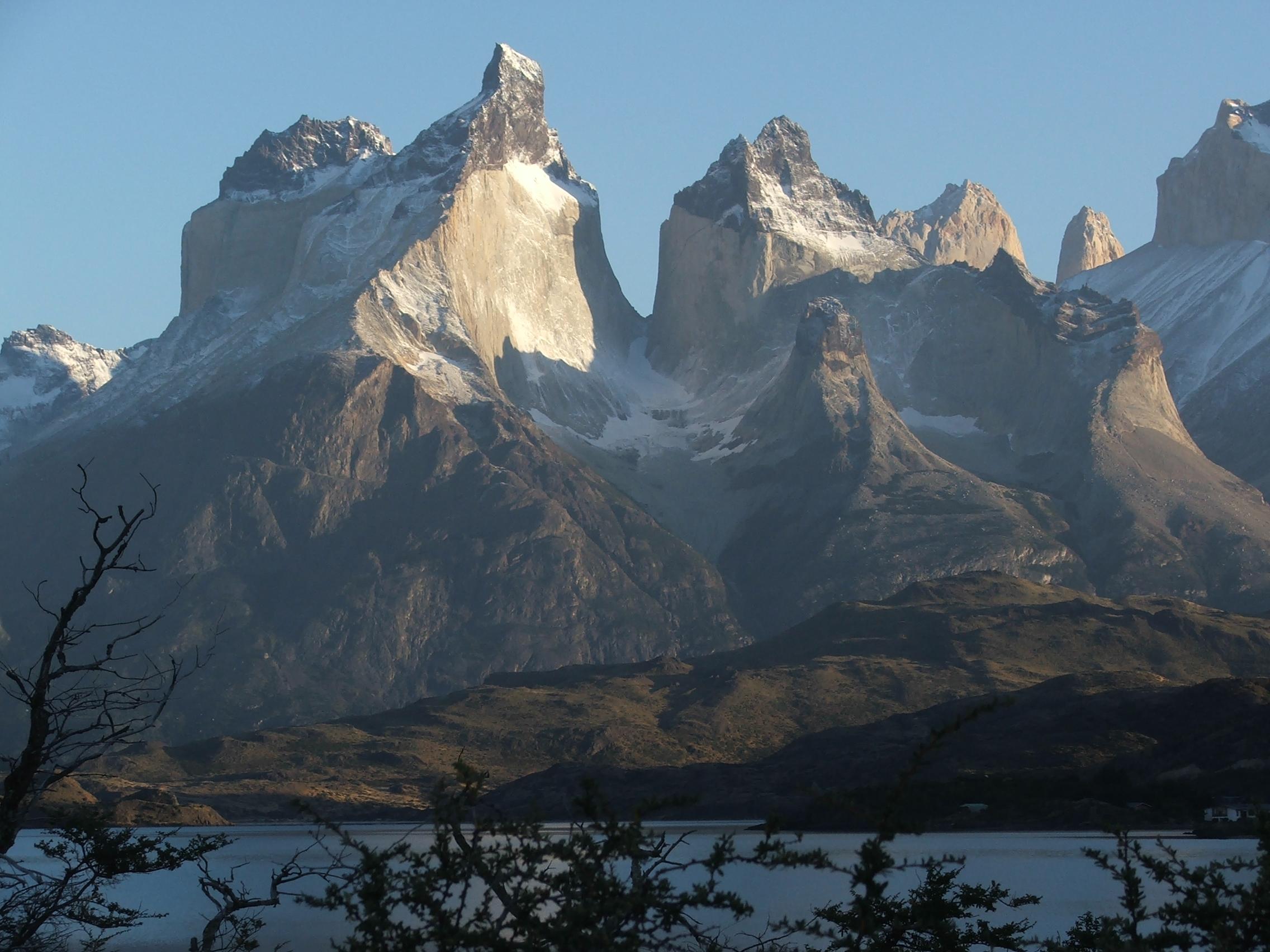 Los Cuernos at Torres del Paine National Park, southern Chile (© 2009 clasticdetritus.com)