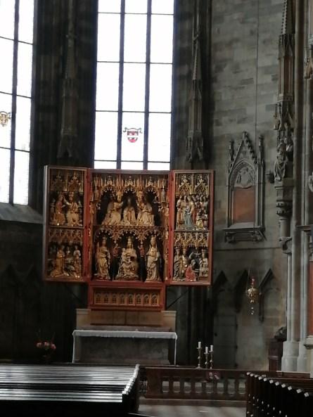 الكنائس الجانبية (1)