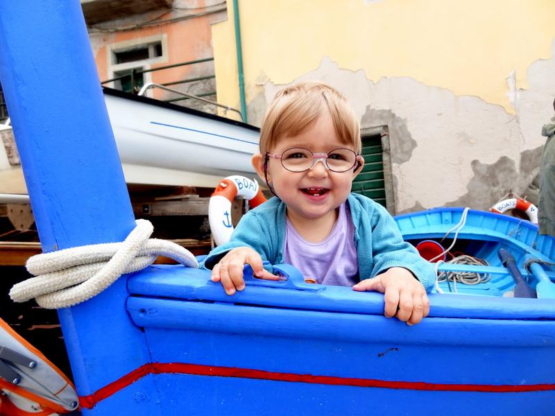 Laura Maria im Fischerboot in Riomaggiore