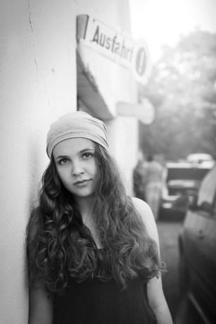 Portrait, Schauspieler, Actress, Outdoor Shoot, Contemporary Portrait, Portraitfotografie, Fotograf, Fotografin, NRW, Köln, Essen, Düsseldorf, Frau, junge Frau, Mädchen, Claudia Zurlo Photography